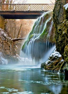 Bigar waterfall, winter Waterfall Fountain, Romania, Places To Go, Country, Nature, Travel, Life, Outdoor, Beautiful