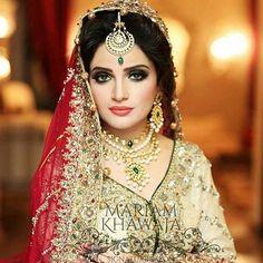 Guyz She is not Aiza Khan she is Armeena Khan by aiman_aiza_maya