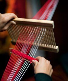 Nauhapirta käytössä Sewing Ideas, Diy And Crafts, Stitching, Bands, Weaving, Embroidery, Design, Loom Knitting, Tejidos