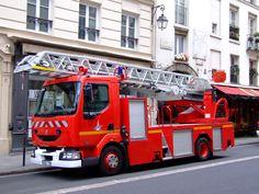 France - Paris - Sapeurs Pompiers