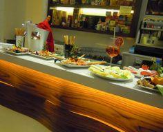 A riscaldare i freddi pomeriggi, the classici ed aromatizzati, infusi , tisane e fumanti tazze di cioccolata calda de L'altrocaffè... http://www.salentomonamour.com/mangiare/item/50-l-altro-caff%C3%A8-lounge-wine-cocktail-bar.html