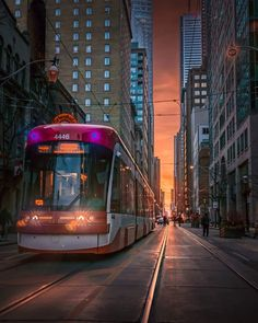 Toronto Streetcar - one of the new ones Toronto Ontario Canada, Toronto City, Great Places, Places To Go, Amazing Places, Travel Fishing Rod, Trains, Canadian Things, City Aesthetic