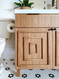 Bathroom Reveal | Spring 2020 One Room Challenge | Sammy On State Minimalist Bathroom, Modern Bathroom, Small Bathroom, Bathrooms, Black Hexagon Tile, Hexagon Tiles, Bathroom Inspo, Bathroom Interior, Estilo Joanna Gaines