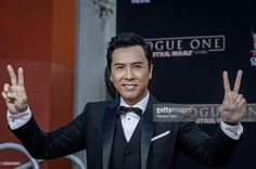 donnie-yen-attends-hand-and-footprint-ceremony-at-tcl-chinese-theatre-picture-id626848450 (1024×681)