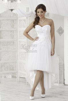One Shoulder Wedding Dress, Wedding Dresses, Fashion, Bride Dresses, Moda, Bridal Gowns, Fashion Styles, Wedding Dressses