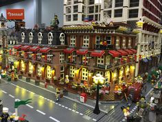 World's Largest LEGO Lighting Display | Photos of a LEGO cit… | Flickr