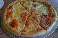 If you are a cheese lover like me, then today's secret recipe is for you. As if a regular cheese pizza isn't cheesy enough, Domino's created the Wisconsin 6 cheese pizza which is… Pizza Hut, Pizza Domino, Copycat Recipes, Pizza Recipes, Dinner Recipes, Pi Jokes, Nerd Jokes, Math Jokes, Quiche