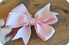 Deep South Sweets: Deep South DIY: Pinwheel Bows