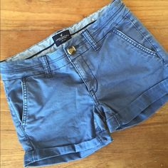 AEO Midi twill short, 00 Blue twill midi short with stretch. Excellent used condition! Only worn a few times. Size 00 American Eagle Outfitters Shorts
