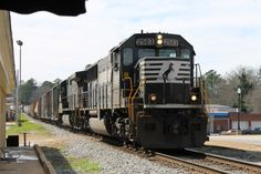 Another cool Norfolk Southern train shot!