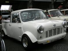 Awesome WIDE ARCHED WEDNESDAY Mini Pickup from our friends in Japan! Love the styling on this, proper my Cupa-T