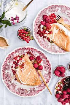 Vegan Crepes, Gluten Free Crepes, Savory Crepes, Breakfast And Brunch, Salted Caramel Desserts, Crepe Ingredients, Vegan White Chocolate, Biscuits, Creamy Mushroom Sauce