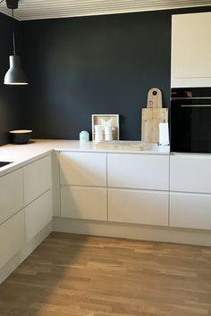 Køkken Venezia Mat Line - stilrent look - Nelly Modern Farmhouse Kitchens, Farmhouse Kitchen Decor, Kitchen Interior, Home Kitchens, Family Kitchen, New Kitchen, Kitchen Dining, Küchen Design, Layout Design