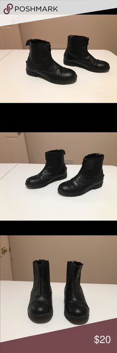 Devonaire Riding Boots-VGUC-Size 4BG Devonaire Riding Boots-VGUC-Size 4BG  My daughter wore these a very short time for riding lessons. They are in VGUC. I will be selling a riding helmet, riding gloves and riding pants as well. I am open to reasonable offers as well but will decline/block lowball offers. Devonaire Shoes