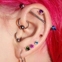 Love her ear piercings Ear Jewelry, Cute Jewelry, Body Jewelry, Jewellery, Barbell Piercing, Piercing Tattoo, Estilo Dark, Cool Ear Piercings, Industrial Piercing