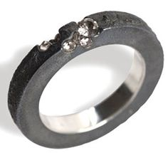 Ambroise Degenève Ring 1 square Fonte sand, oxidized silver and synthetic sapphires.