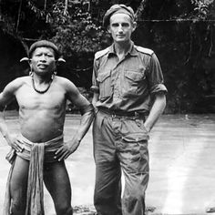 Z Special Unit Commanding Officer Toby Carter with a local in Borneo Military Units, Military Love, Army Love, Military History, British Army Uniform, Fighting Poses, Anzac Day, Prisoners Of War, Second World
