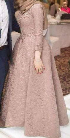Hijab dress Gluten Free Recipes a gluten free diet plan Hijab Prom Dress, Hijab Gown, Hijab Evening Dress, Muslim Wedding Dresses, Muslim Dress, Bridal Dresses, Evening Dresses, Abaya Fashion, Muslim Fashion