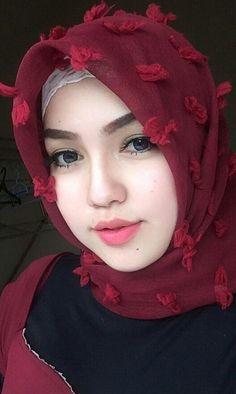 Girl in Hijab Beautiful Muslim Women, Beautiful Hijab, Niqab, Moslem, Muslim Beauty, Muslim Hijab, Hijab Dp, Hijab Chic, Girl Hijab