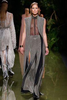 Balmain Spring 2017 Ready-to-Wear Fashion Show - Doutzen Kroes (Viva)