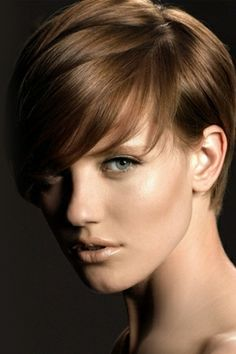 dark-hair-short-ladies-hair-style-cut-trends-2014