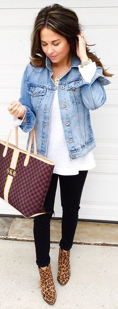 #spring #outfits I'm Finally Among The Living! Running Errands Then Keno, Beers && Basketball With The Hubbae Happy Saturday Babes! PS - My Jacket Is Under $40 && How Cute Is My Monogram Tote?!