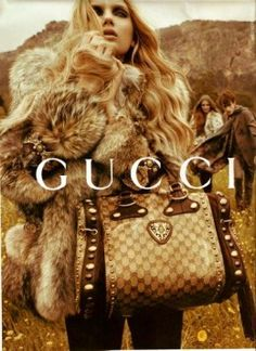 I LOVE THIS BAG, I HAVE BEEN TRYING TO FIND IT ALL OVER! I HAVEN'T EVEN SEEN IT ON THE GUCCI WEBSITE!!!! I NEED IT IN MY LIFE :(