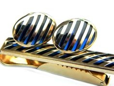 Swank Blue Diagonal Grill Cufflinks and Tie Clip Set Vintage Jewelry Accessory For Men Glass And Gold Fill Or Overlay Gift For Him 1950s Jewelry, Vintage Jewelry, Light Blue Suit Wedding, Vintage Gentleman, Gold Tie, Gq Men, Vintage Accessories, Cobalt Blue, Tie Clip