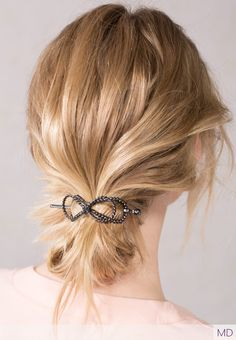 Unique bow resembling rope adorns the bow-shaped Flexi with simple beads. Medium Hair Styles, Long Hair Styles, Ethnic Hairstyles, Beauty Must Haves, Rose Hair, Hair Sticks, Hair Jewelry, Hair Inspo, Hair Lengths