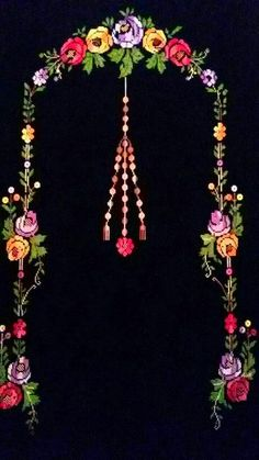This Pin was discovered by sih Embroidery Works, Crewel Embroidery, Flower Embroidery Designs, Prayer Rug, Love Rose, Bargello, Christmas Cross, Baby Knitting Patterns, Paper Flowers