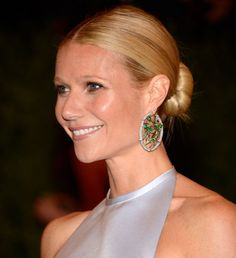 Gwyneth Paltrow also had a big beauty outing this year when she showed up to the Met Gala with a sexy, sleek middle-parted chignon (and the side boob to match). Holiday Hairstyles, Party Hairstyles, Celebrity Hairstyles, Trendy Hairstyles, Wedding Hairstyles, Gwyneth Paltrow, How To Bun, Hair Bun Tool, Medium Hair Styles