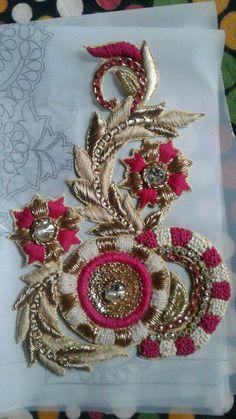 Zardosi Embroidery, Bead Embroidery Patterns, Hand Work Embroidery, Couture Embroidery, Embroidery Patches, Hand Embroidery Designs, Beaded Embroidery, Jewelry Design Drawing, Fabric Embellishment
