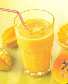 Ingredientes : (Para 2 porciones (470 mililitros)) >> 1 carambola, 1/2 taza de papaya picada, 1/2 plátano manzano, 1/2 taza de piña picada, 1 naranja, 3 cucharadas de azúcar >> Preparación : Lave la carambola y píquela en trozos pequeños. Coloque los ingredientes en la licuadora. Corte la naranja y exprímala sobre las frutas. Agregue el azúcar. Licúe a velocidad media. Puede servir con hielo.