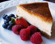 Esta receta de tarta de queso sin lactosa nos la envían desde Senslac, y nos han asegurado que sale buenísima. La intolerancia a la lactosa hay que diferenciarla de la alergia a la proteína