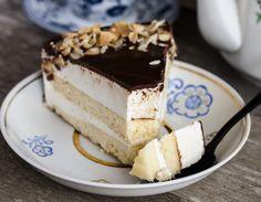 felie de prajitura lapte de pasare Just Cooking, Something Sweet, Tiramisu, Gem, Cheesecake, Sweets, Healthy, Ethnic Recipes, Desserts