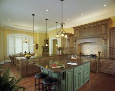 Dining Room, Beautiful Square Kitchen Layout Ideas Yellow Kitchen Wall Oak Cabinet: Simple Square Kitchen Layout Ideas as the Awesome Easiest Kitchen Design