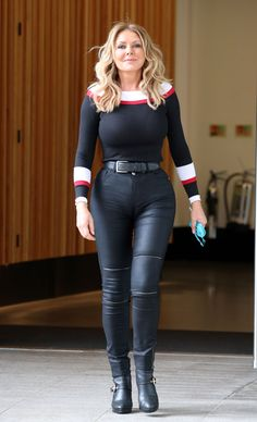 Womens Style Discover Carol Vorderman showing off her lucious curves in skin tight leather jeans Celebricity Sexy Older Women Sexy Women Carol Vordeman Carol Kirkwood Botas Sexy Leather Jeans Black Leather Sexy Jeans Girls Jeans Sexy Older Women, Sexy Women, Carol Vordeman, Carol Kirkwood, Actrices Sexy, Botas Sexy, Leather Jeans, Black Leather, Sexy Jeans
