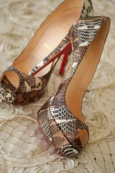 Christian Louboutin Banana 140mm Peep Toe Pumps Multicolor Makes Women Look More Charming And Elegant. #Red #Shoes #Highheels