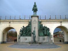 Statue of King Leopold II in Ostend Belgium. Photo: Lec