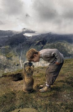 An adorable little boy, a curious marmot, and a dramatic landscape // funny pictures - funny photos - funny images - funny pics - funny quotes - Animals For Kids, Animals And Pets, Baby Animals, Cute Animals, Funny Animals, Beautiful Creatures, Animals Beautiful, Beautiful Cats, Tier Fotos