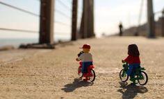 Due studenti universitari appassionati di fotografia, la voglia di raccontare Ancona, la città in cui vivono, e i pupazzi della Lego: in tre mesi il profilo Instagram @Legoprojectphoto è arrivato a quasi 4mila followers