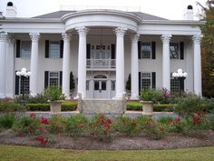 This Alabama home is absolutely gorgeous.
