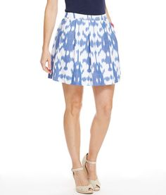 Pleasing pleats and pockets! It's always a bonus to find pockets on a women's skirt, especially one as pretty as this.