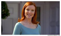 Bree Van De Kamp casual outfit Desperate Housewives, Bree Van De Kamp, Marcia Cross, Role Models, Actors & Actresses, Casual Outfits, The Originals, Hair, Image