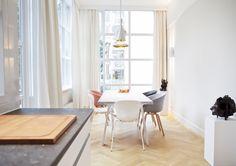 Sherylleysner   Interior Architecture & Project Management   Private house   Amsterdam   Diningroom   Art   Tom Dixon lamp  