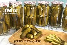 Kaynar Su İle Salatalık Turşusu (Videolu) Tarifi Marinated Olives, Romanian Food, Tuna, Pickles, Cucumber, Sausage, Food And Drink, Cooking, Kitchen