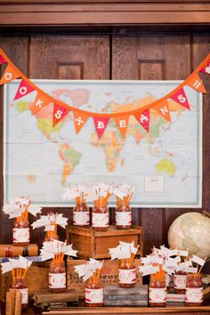 Love the map and the pencil flags! #wedding