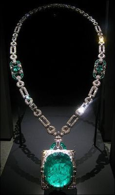 The Mackay Emerald and Diamond Necklace. The pendant is a 168 carat emerald from the Colombia Muzo mines. The art deco necklace, set in platinum, was designed by Cartier in 1931 for Clarence Mackay, who gave it as a wedding gift to his wife, Anna Case – a prima donna at the New York Metropolitan Opera from 1909 to 1920. Mrs. MacKay donated the necklace to the Smithsonian Institute in 1984. It is the largest cut emerald in the National Gem Collection.