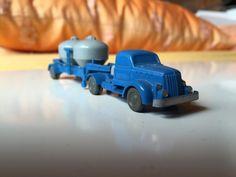 Wiking_530_Zement-Sattelzug #Wiking #Modellautos #ModelCars 1:87 #H0 #Henschel Henschel LKW  alte Wiking Autos  Wiking Sammler  wertvolle Wiking Modelle  Modelleisenbahn Autos  precious collectibles