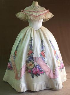 Vintage Outfits, Vintage Gowns, Dress Vintage, Victorian Fashion, Vintage Fashion, Victorian Dresses, Steampunk Fashion, Rosa Satin, Pink Satin